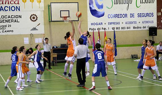Uno de los equipos de Sarabris en un reciente partido.